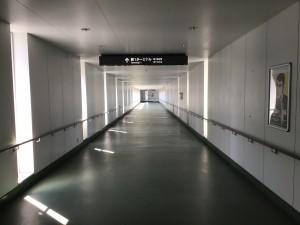 P5駐車場から第1ターミナルへの連絡橋