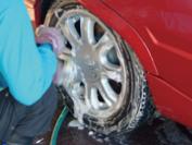タイヤ・ホイルは洗剤できれいに